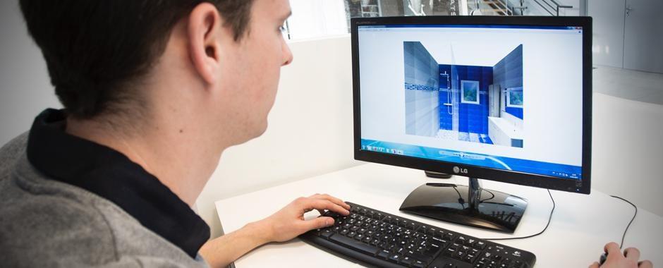 reflexion-travail-sur-ordinateur-realite-virtuelle